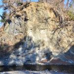 新田橋の礫岩露頭