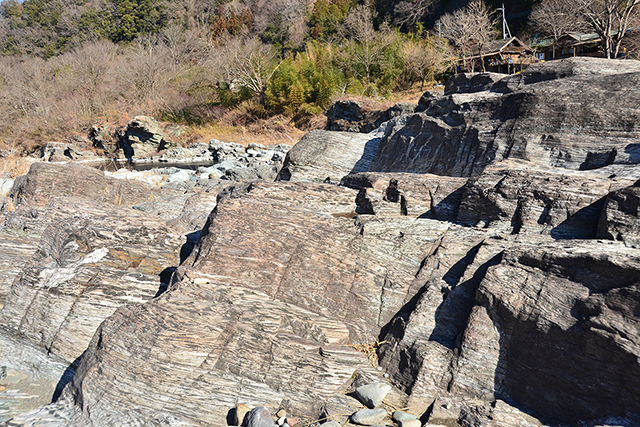 長瀞の結晶片岩(虎岩)