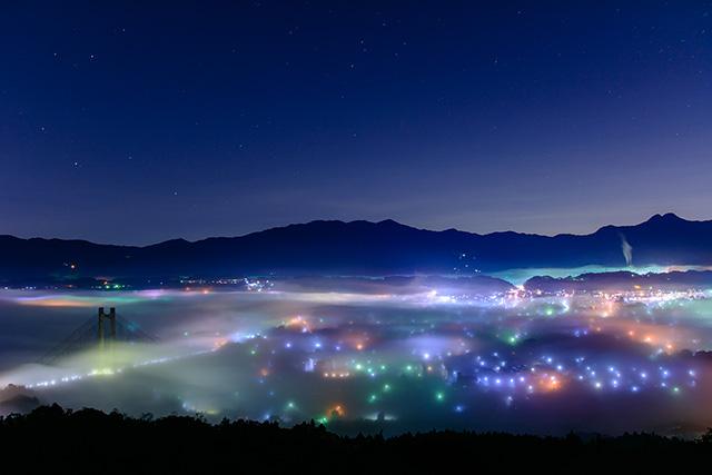 雲海夜景(ミューズパーク展望台)