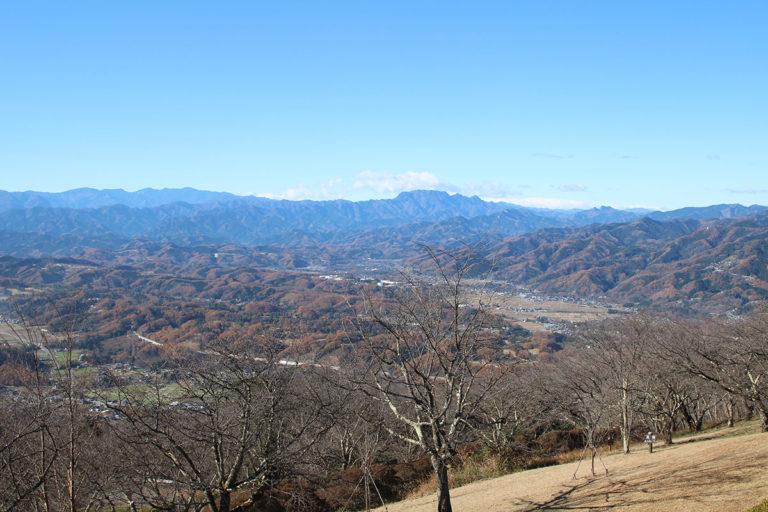 美の山(両神山方向)