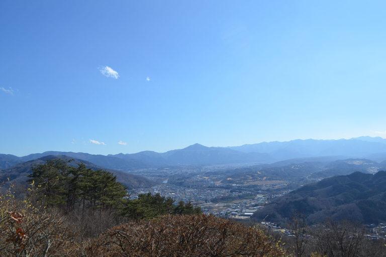 <ruby>宝登山<rp>(</rp><rt>ほどさん</rt><rp>)</rp></ruby>山頂展望台
