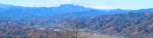 美の山展望台からの盆地西側を望む_s